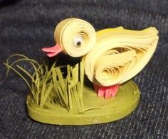 quilled chick designed and made by Cathy Schlim Quilling Animals, Quilling Cards, Quilling Designs, Paper Quilling, Quilling Ideas, New Crafts, Easter Crafts, Holiday Crafts, Barnyard Animals