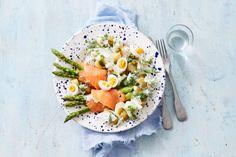 Als dit geen lente op je bord is, dan weten wij het ook niet meer.- Recept - Allerhande Healthy Recipes For Weight Loss, Fish And Seafood, Food For Thought, Cobb Salad, Risotto, Food Porn, Good Food, Snacks, Dinner