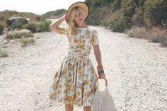 Vintage 1950s Dress / 50s Cotton Dress / Orange Floral Dress w/ Ruching S/M #1950sdress #vintagedress #whendecadescollide