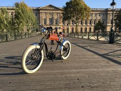 Royal Roadster at Pont des Arts, Paris Electric Bicycle, High Class, New Experience, French, Paris, Pont Des Arts, Electric Push Bike, Montmartre Paris, French People