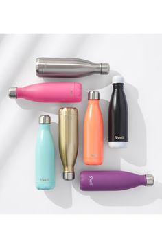 Help mom stay hydrated in style this Mother's Day with this sleek & chic stainless-steel water bottle - it's perfect for work, the gym, or tote along on her next adventure!