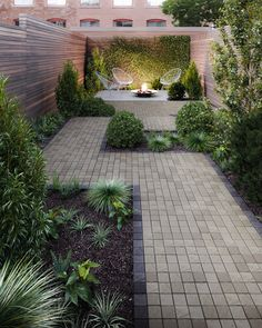 The Squadra paver brings straight-edged mini-cube paver catchiness to the contemporary home. Inspired by European cobblestone roads, the Squadra paver is the perfect choice for anyone looking for a mini square paver that makes a large statement. Click this pin to obtain more inspiration witht the Squadra paver! Small Garden Ideas Low Maintenance, Low Maintenance Backyard, Backyard Patio Designs, Small Backyard Landscaping, Patio Ideas, Narrow Backyard Ideas, Decking Ideas, Courtyard Ideas, Back Gardens