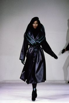 Azzedine Alaïa Fall 1991 Ready-to-Wear Fashion Show - Beverly Peele Vogue Models, 90s Models, Female Models, Women Models, 80s And 90s Fashion, Runway Fashion, High Fashion, Dolly Fashion, 20s Fashion