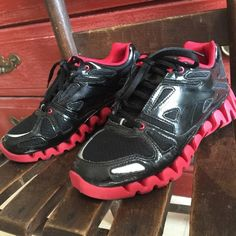 Sharp Reebok Zig Tech Shoes Black and red Reebock ZigTech shoes. Boys size 5.5, which is equivalent to 7.5 or so in women's. EXCELLENT condition! Reebok Shoes Athletic Shoes