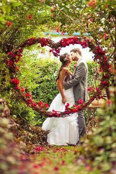 flowers bouquets aisle decor for church wedding, flowers wedding arches, rustic wedding photos Red Wedding, Wedding Bells, Perfect Wedding, Wedding Ceremony, Wedding Flowers, Wedding Day, Wedding Kiss, Spring Wedding, Wedding Rustic