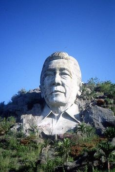 The remains of Ferdinand Marcos concrete giant bust, Mt Pugo, La Union province, Philippines Philippine Army, Philippine Houses, Ferdinand, People Power Revolution, President Of The Philippines, Filipiniana, Power To The People, United States Army, Filipino