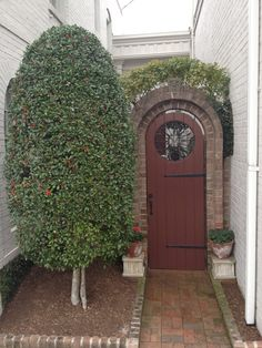 Southern Pines, NC courtyard entry...