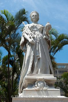 Photos and pictures of: Statue of Queen Victoria, Durban, South Africa - The Africa Image Library Victoria And Albert, Queen Victoria, Prince Albert, Large Art, Statues, Statue Of Liberty, Royals, South Africa, Gate
