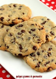 Cookies de Pierre Hermé - Food and Drink - Dessert Chocolate Eclair Cake, Chocolate Chip Cookies, Brownie Cookies, Chocolate Glaze, Chocolate Cream, Oatmeal Cookies, Cookie Recipes, Dessert Recipes, Mini Desserts
