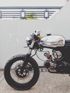 Moto-Mucci: DAILY INSPIRATION: Honda S90 Cafe