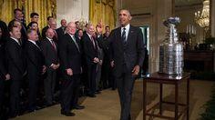 """Kimmo Timonen ja Scott Darling saivat USA:n presidentti Barack Obamalta erityismaininnan Chicago Blackhawksin mestarijoukkueesta """"unohdettuina sankareina""""."""