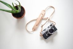 Knickerbocker MFG. Co. x Cub & Co. Adjustable Camera Strap
