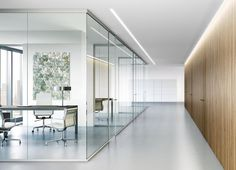Beautiful office spaces that combine glass and wooden design. Twenty five beautiful contemporary office space designs that combine wood and glass for you to feed your design ideas. Corporate Office Design, Office Space Design, Corporate Interiors, Office Interior Design, Office Interiors, Interior Door, Best Office, Cool Office, Tiny Office