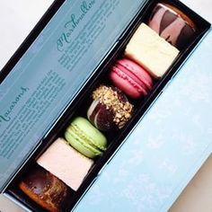 Macarons, Marshmallows and Teacake Valentine's Gift Box by Anges de Sucre www.angesdesucre.com #valentine #valentinesgifts