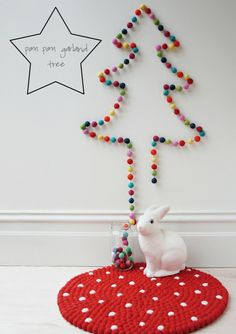 felt balls, loving it! French By Design: Make your own Christmas tree!