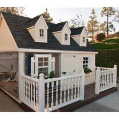 Unique Dog Houses For Your Spoiled Pet – Page 2 of 20 – Healevate - luxury dog kennel Custom Dog Houses, Cool Dog Houses, Amazing Dog Houses, Pet Houses, Dog Training Methods, Basic Dog Training, Training Dogs, Luxury Dog House, Puppy Obedience Training