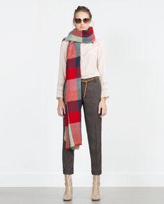 Oversized scarf.