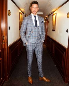 Logan 3 Piece Suit Grey Check Suit by Marc Darcy seen on Scott Thomas Buy Mens Suits, Mens Suits Online, Mens Fashion Suits, Grey Check Suit, Style Masculin, Designer Suits For Men, Look Man, Slim Fit Suits, Checked Suit
