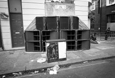 Towering Speaker Rigs Turn Upscale London Into an Audio War Zone | Raw File | WIRED#slide-id-492110