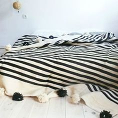 Night Night, so simple monochrome cosy to end the day #bedroom #stripe #TCLlusts