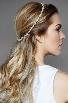 Noiva | Bride | Penteado | Hair | Cabelo | Hairstyle | Tiara | Inesquecivel Casamento