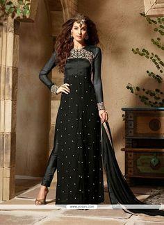 Ethnic Fashion, Indian Fashion, Woman Fashion, African Fashion, Indian Dresses Online, Style Ethnique, Salwar Kameez Online, Shalwar Kameez, Ethnic Wear Designer