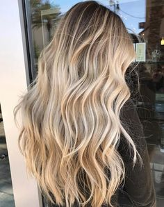 Ombre blonde brazilian human hair wigs balayage wavy full lace lace front w Blonde Hair Looks, Blonde Wavy Hair, Blonde Hair With Highlights, Hair Color Balayage, Honey Balayage, Beach Blonde Hair, Ash Blonde, Balayage Ombre Blonde, Long Bronde Hair