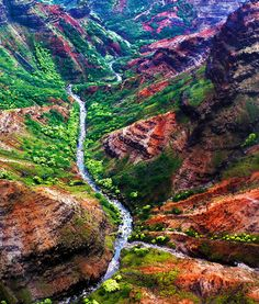 ✮ An aerial view of a canyon river in Kauai, Hawaii