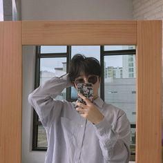 Wow, look, a mirror * * * * shhiiwoo Korean Boys Ulzzang, Ulzzang Couple, Ulzzang Boy, Korean Men, Korean Aesthetic, Aesthetic Boy, Aesthetic Pictures, Asian Boys, Asian Men