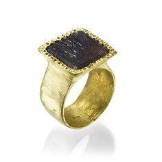 18 Karat Yellow Gold Seal Ring set with Rutile Quartz טבעת זהב 18 קראט משובצת קוורץ