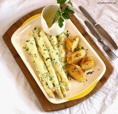 sojaturobie: Białe szparagi w wegańskim sosie holenderskim