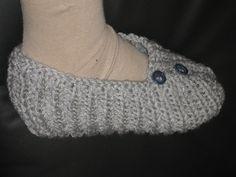 Des chaussons au tricot pour débutantes et mon marché de noël .... Couture, Knitting Patterns, Blog, Slippers, Fashion, Gray, Knitted Slippers, Crochet Ideas, Knit Patterns
