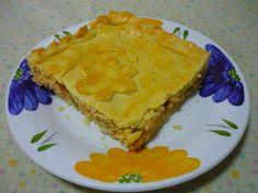 Torta de frango feita com massa sem glúten, que fica macia com o uso de goma xantana, comprada no Empório Mundo Verde.