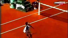 Federer. Pra lembrar que as vezes é bom parar e apenas assistir algo que te faz feliz.