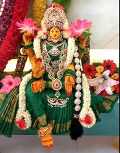 Varalakshmi Vratham 2019 honours the most popular Goddess Maha Lakshmi. Varalakshmi Puja or homam on this day means abundant wealth is sure to come your way. Housewarming Decorations, Diy Diwali Decorations, Festival Decorations, Flower Decorations, Ganpati Decoration Design, Mandir Decoration, Happy Birthday Wishes Messages, Janmashtami Decoration, Silver Pooja Items