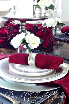 Love the sparkle of the silver accents against the red flowers and napkins. #valentine