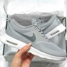 Imagem de nike, shoes, and grey