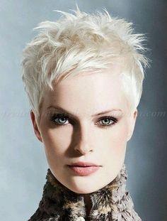 Coupe de cheveux courte femme tendance