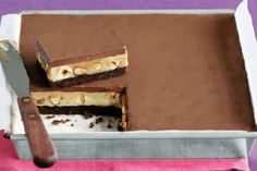 Kim's no-bake caramel slice We just love this slice from Super Food Ideas food editor Kim Coverdale. No Carb Recipes, Milk Recipes, Sweet Recipes, Baking Recipes, Chocolate Caramel Slice, No Bake Slices, Greek Sweets, Chocolate Biscuits, Brownie Bar