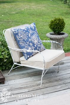 Make your deck furniture look brand new with some new cushions! This is a simple DIY project that will help you get the most out of your current outdoor furniture pieces. Click in for step-by-step instructions, courtesy of missmustardseed.com.