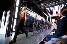 Louis Vuitton Spring 2016 Ready-to-Wear Atmosphere and Candid Photos - Vogue