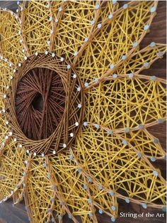 String Art Sunflower - String Art DIY Kit - DIY Crafts - Home Decor - DIY Decor - You can make this yourself. Click on the picture and learn how you can string this beautiful sunflower!