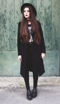A little goth-y. A little grunge-y. A little witch-y. And a dash of NuGoth for that extra flare. Hello, perfection.