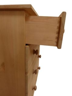 Soild pine chest of drawers with dovetailed joints: