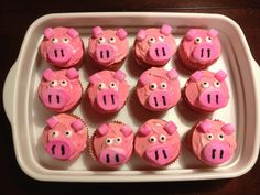 Pig cupcakes - farm themed birthday party