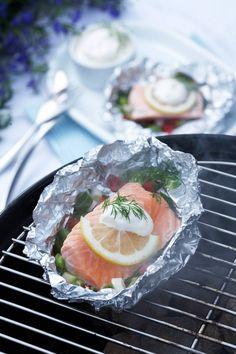 grillet salma i folie Bbq, Japanese, Ethnic Recipes, Madness, Barbecue, Barrel Smoker, Japanese Language