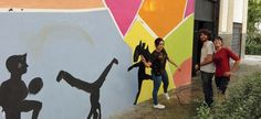 "Pintura mural con chicos y chicas del barrio de la Paz en Granada. ""Proyecto Cometa"" Paint Brush Art, Granada, Art Direction, Street Art, Painting, Brushes, Home Decor, Mural Painting, Kites"