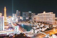 Comparateur de voyages http://www.hotels-live.com : At night #Vegas comes alive. Hotels-live.com via https://www.instagram.com/p/BBrHsKEtHvL/ #Flickr via Hotels-live.com https://www.facebook.com/125048940862168/photos/a.943109389056115.1073741872.125048940862168/1102000546500331/?type=3 #Tumblr #Hotels-live.com