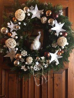 Vianočný veniec v naturálnom duchu. Autorka: ivaali. Vianoce, vianočný veniec na dvere, prírodný, diy, hand made. Artmama.sk