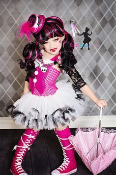 Monster High inspired costume Draculaura via Etsy-Lillie wants to be a monster high girl for Halloween